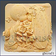 2D Silicone Soap/Plaster/Polymer Clay Mold – Kissing Couple