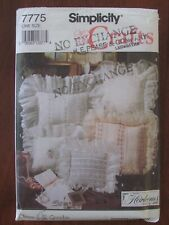 SIMPLICITY PATTERN - 7775 HEIRLOOM PILLOWS CUSHION SMOCKING INSERTION LACE UNCUT