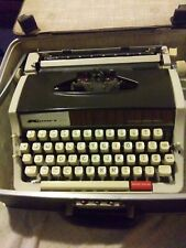 VINTAGE KMART 200 PORTABLE TYPEWRITER W/ORIGINAL CASE AUTOMATIC REPEAT SPACER