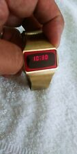 VINTAGE RARE RED LED  DIGITAL  WATCH RUNS MADE IN USA. WORKS !