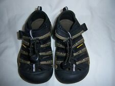Great condition Water shoes Keen brand toddler size 9