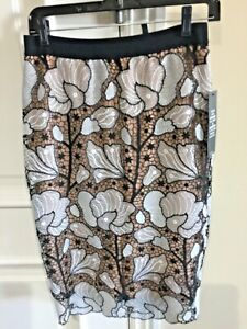 BCBG OLLY BLACK AND WHITE LACE SKIRT SMALL $298