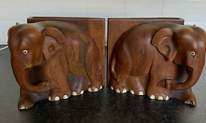 A Pair Of Fantastic Vintage Heavy Wooden Elephant Bookends