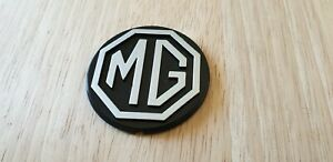 BADGE MGB GT LE black silver HORN Steering Wheel Centre MG CHA747 emblem motif