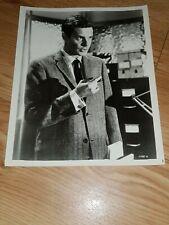 Photo de LOUIS JOURDAN dans le film HOTEL INTERNATIONAL