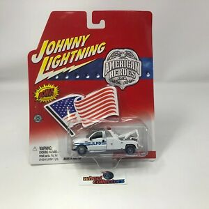 #7129  City Tow Truck JLPD * Johnny Lightning American Heroes * HH3