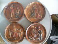 4 anciennes miniatures en terre cuite