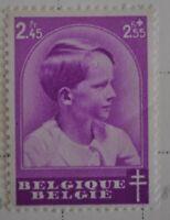 """timbre belge 446 neuf """"Griffe en forme de U sur le front"""""""