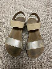 Pierre Dumas Little Girls Gold Wedge Sandals Size 11