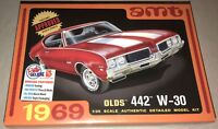 AMT 1969 Olds 442 W-30 Oldsmobile 1/25 scale plastic model car kit new 1105