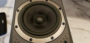 B&W DM 303 SPEAKER SHOWROOM CONDITION AS NEW WITH MANUAL LOW SHIPPING