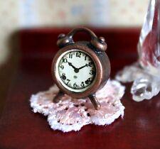 6187 - Wecker Uhr * Miniatur für Puppenhaus, Puppenstube * 1:12 *
