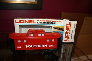 Lionel 6-9287 Southern Red + 6-6457 Brown Lighted Caboose  O Scale Rolling Stock