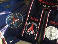 """PSG: ÉCHARPE COLLECTOR """"PARISIENS & CHAMPIONS"""" 2013, AVEC SAC CADEAU"""
