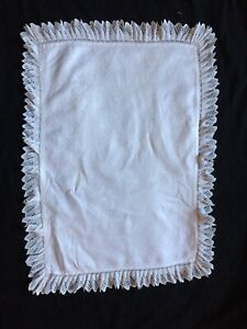 ANTIQUE VINTAGE HAND LACE TABLE CLOTH / TRAY CLOTH,66X48CM,G/C