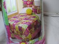 Safdie & Co. Just Kidding! Flower Happy Face Peace Sign Butterfly Full Quilt Set