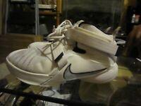 Nike Big Kids Lebron Soldier IX Basketball Shoe size 6.5 youth