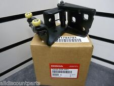 99-04 HONDA ODYSSEY EX RIGHT REAR CENTER DOOR ROLLER FOR POWER SLIDING DOOR NEW
