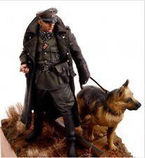 1/16 Resin Figure Model Kit WWII German Soldier + Wolf Set Unassambled Unpainted