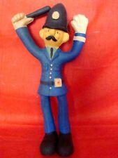 poupée représentant un Bobby en caoutchouc (Bendy toys)
