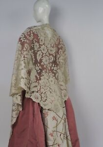 VICTORIAN 19TH C BLONDE SPANISH LACE LARGE SHAWL W FLORALS