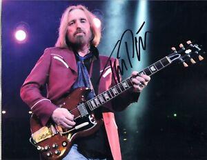 TOM PETTY AUTOGRAPH PHOTO HAND SIGN W COA - ROCKER, MUSICIAN - WRITER, ACTOR