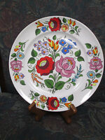 KALOCSA HAND PAINTED PORCELAIN DECORATED BEAUTIFUL WALL PLATE 7 1/2""