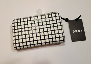 DKNY Bryant Carryall Wallet Black White Purse Brand new with tags R831Y659