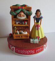 Disney Christmas 1994 Snow White  Porcelain Figurine Christmas Dreams LE