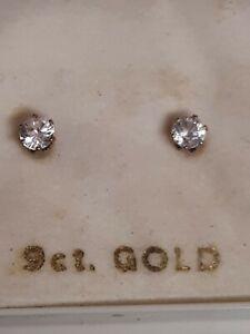 9ct Gold CZ stud Earringd