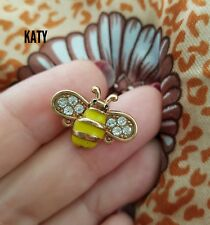 Small Gold Tone Vintage Style Crystal  Bumble Bee Diamante Brooch Broach Insect