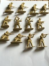 Japanese Toy Soldiers - various - 12 characters