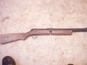 Vintage Benjamin modle 342 .22 Bolt Action Pump Air Rifle - walnut stock Part of