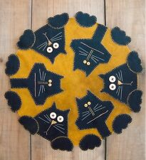 PRIMITIVE WOOL APPLIQUE PENNY RUG PATTERN CAT KITTY PENNY PAWS *NEW*