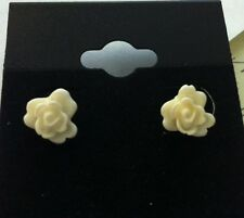 NEW Fashion Silver Tone Plastic White Flower Rose Stud Pierced Earrings