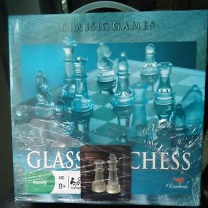 Glass Chess Set Classic Games by Cardinal 2007complete never played. w/ issues..