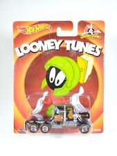 Hot Wheels Kenworth W900 Looney Tunes Pop Culture NEW NOC Real Riders