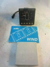 B&G NETWORK WIND DISPLAY WITH SUN COVER AND MANUAL