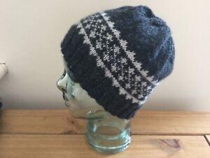 A man's hand knitted pure wool fair isle beanie hat in dark and light grey, M, n