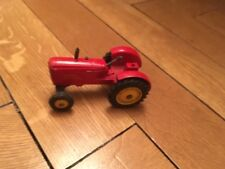 Collection Dinky Toys - Tracteur rouge Massey Ferguson