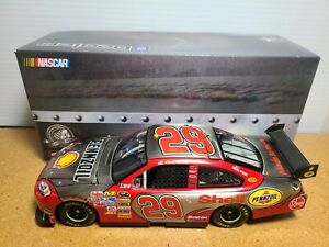 2008 Kevin Harvick #29 Shell Brushed Metal 1:24 NASCAR GM Dealers Action MIB