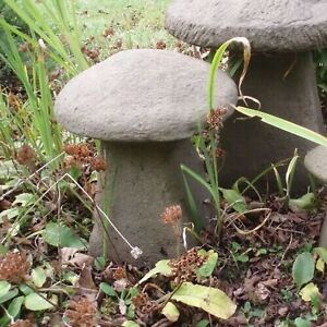 STONE GARDEN LARGE MUSHROOM / TOADSTOOL STADDLE STONE ORNAMENT