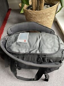 THE NORTH FACE BASE CAMP DUFFEL BAG SMALL NEW WITH TAGS - BLACK