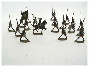 Antique collection of 19 Infantry tin flats toy soldiers hand painted