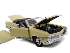 1967 PONTIAC GTO CONVT CREAM 1:24 DIECAST MODEL CAR BY UNIQUE REPLICAS 18667