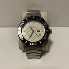 Gucci G-Timeless Sport Steel Quartz Mens Watch White Black Mint Condition