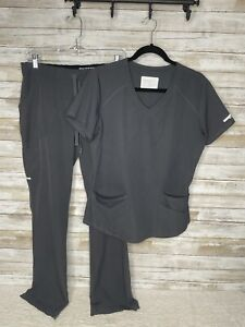 Skechers by Barco Scrub Scrubs Set Women's Size Medium Top and Bottom Great Cond