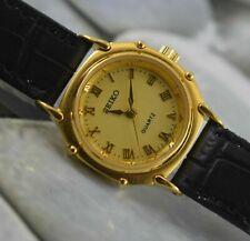 Vintage Seiko Quartz Modified Wrist Watch For Women's Wear Working Good W-8204