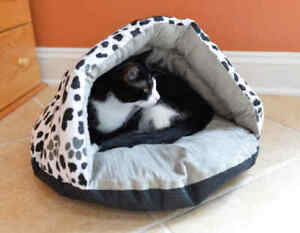 Armarkat Hooded Cave Cat Kitten Pet Bed Machine Washable Paw Print