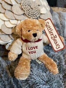 Tiny settler bear - I love you